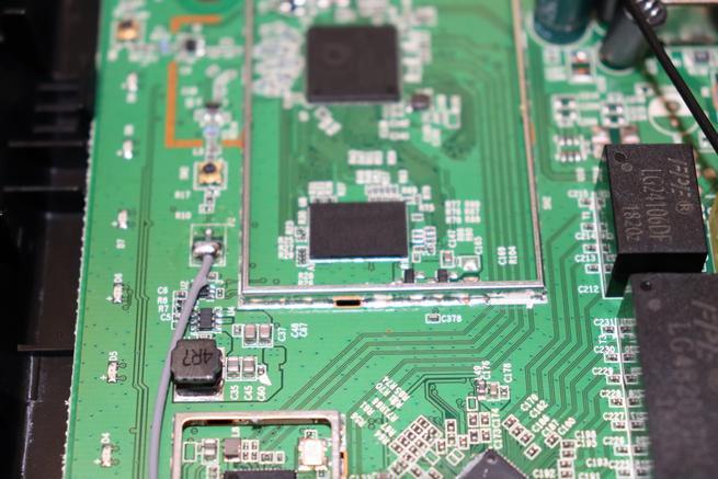 Memoria RAM en detalle del router neutro D-Link DIR-842