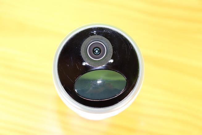 Frontal de la cámara IP Reolink Go en detalle