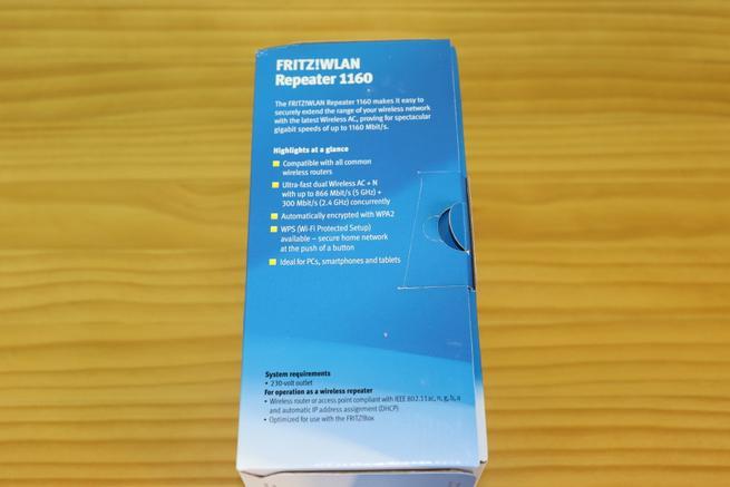 Lateral derecho de la caja del repetidor AVM FRITZ!Repeater 1160