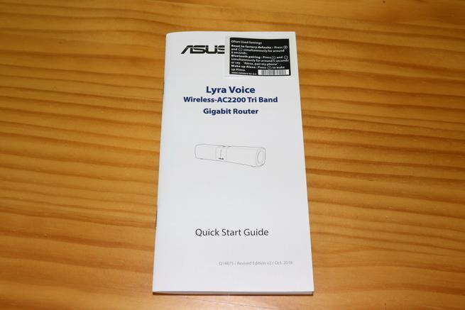 Guía rápida de usuario del router AiMesh ASUS Lyra Voice