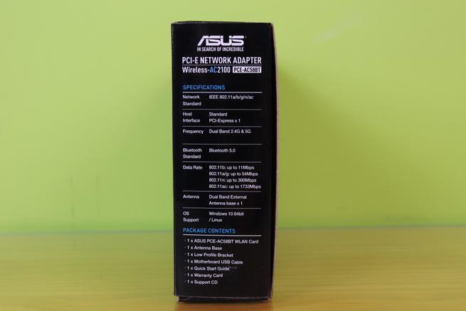Lateral izquierda de la caja de la tarjeta Wi-Fi ASUS PCE-AC58BT