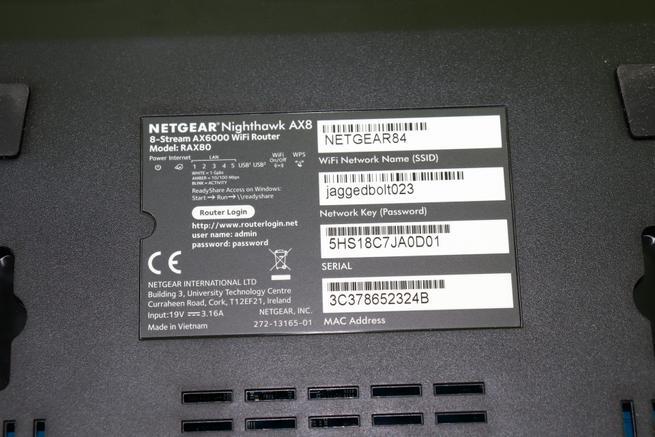 Pegatina con datos Wi-Fi del router neutro NETGEAR Nighthawk AX8 RAX80