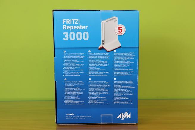 Trasera de la caja del repetidor Wi-Fi FRITZ!Repeater 3000
