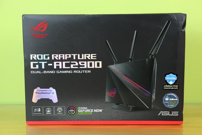 Frontal de la caja del router gaming ASUS ROG Rapture GT-AC2900