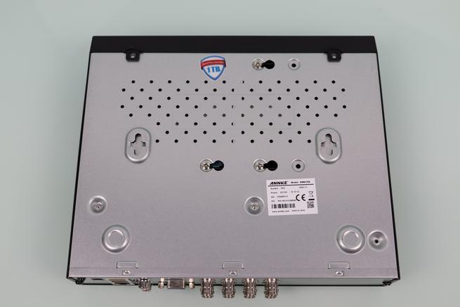 Zona inferior del DVR del ANNKE sistema de videovigilancia 1080p