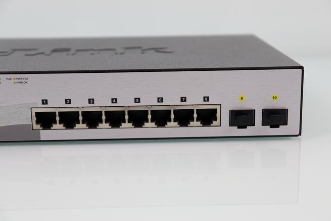 Puertos Gigabit Ethernet y 2 SFP del switch D-Link DGS-1210-10MP