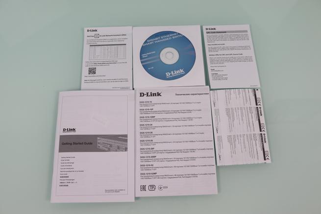 Documentación y CD del switch L2 D-Link DGS-1210-10MP