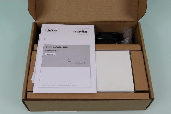 Interior de la caja del controlador WiFi D-Link DNH-100