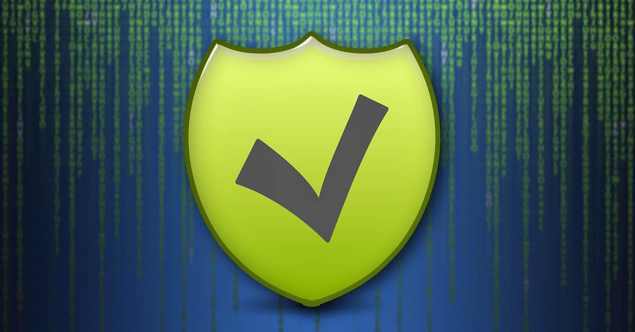 Malware por Facebook o WhatsApp