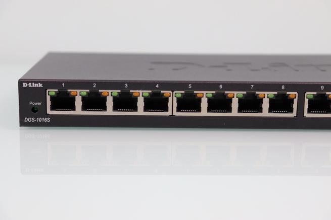 Vista de los puertos Gigabit Ethernet del switch D-Link DGS-1016S