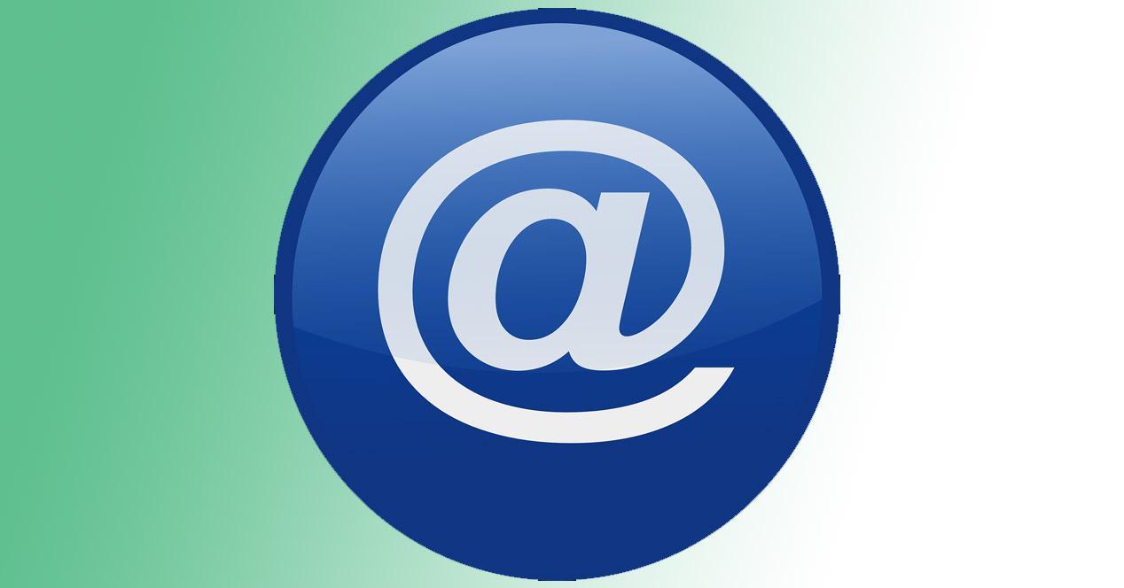 Redireccionar cuenta de correo hosting